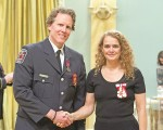 GG05-2017-0418-026 November 23, 2017 Rideau Hall, Ottawa, Ontario, Canada   Her Excellency presents the Medal of Bravery to Larry Douglas Martin, M.B.  Her Excellency the Right Honourable Julie Payette, Governor General of Canada, presented 2 Stars of Courage and 39 Medals of Bravery at a ceremony at Rideau Hall, on November 23, 2017.  Credit: Sgt Johanie Maheu, Rideau Hall, OSGG